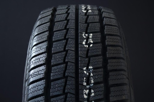 195/80R14 HANKOOK WINTER RW06 C-DÄCK FRIKTION