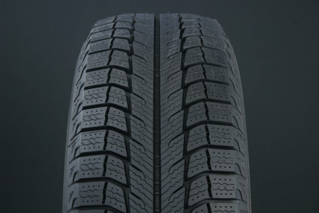 275/40R20 MICHELIN LATITUDE X-ICE 2 FRIKTION